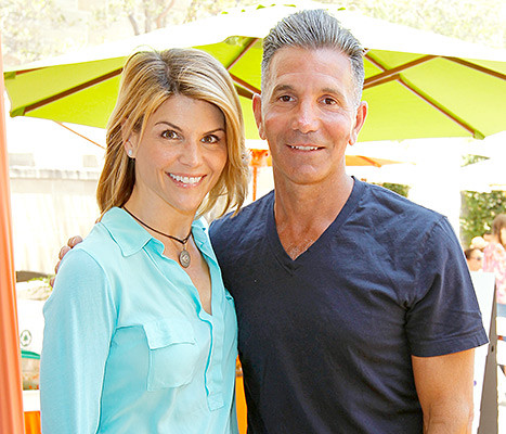Lori Loughlin Husband Mossimo Giannulli Remodel L A Home The Hearties